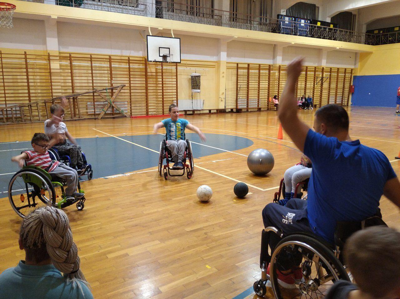 Śnieg + Adrenalina Junior - Wisła 2020 Turnus II 3-9 Luty - Narciarstwo zjazdowe osób niepełnosprawnych - Fundacja Aktywni Bez Barier