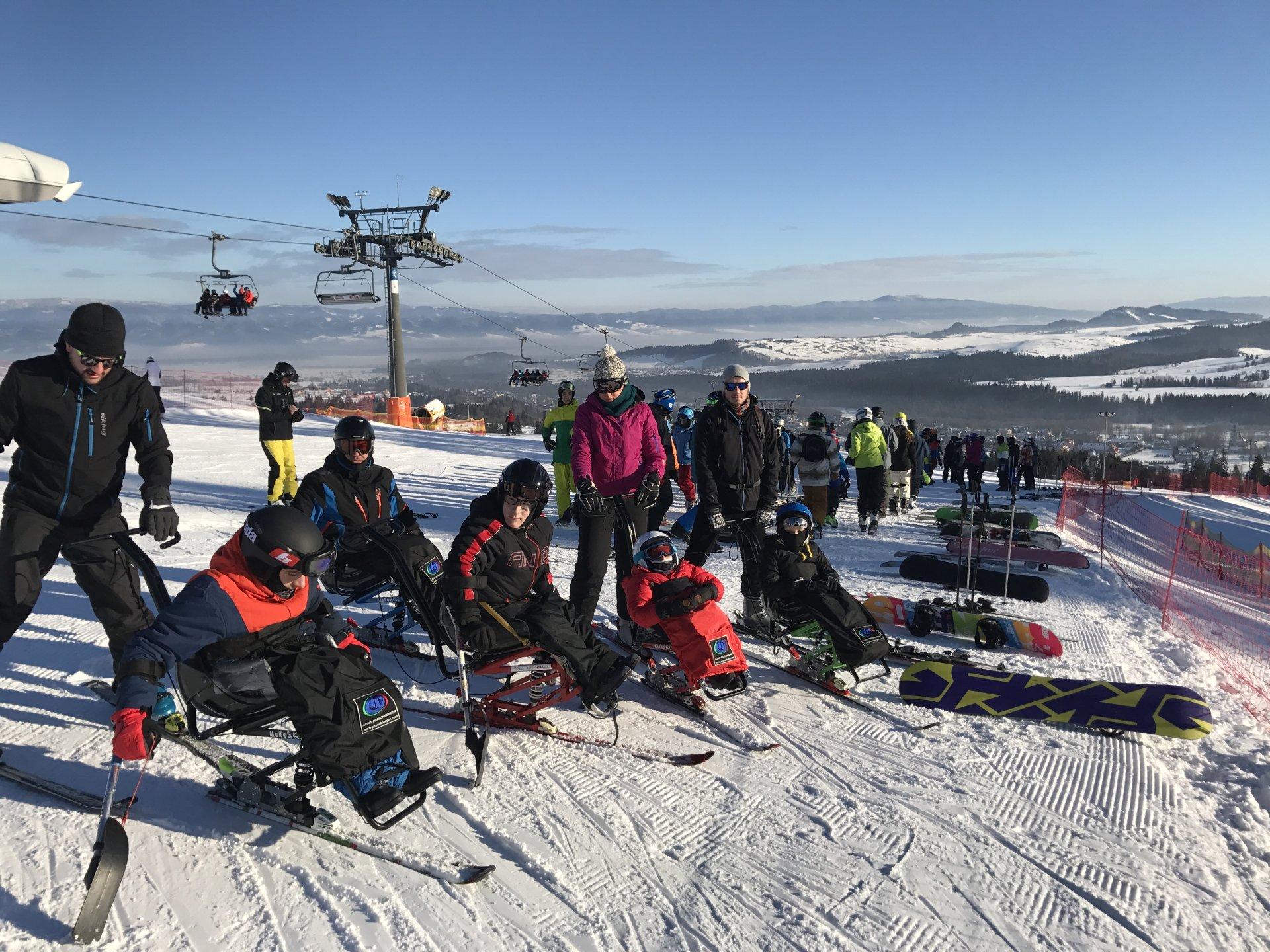 """""""Śnieg + Adrenalina Junior 2018"""" – obóz narciarstwa zjazdowego dla dzieci z niepełnosprawnością ruchową - Aktywni Bez Barier"""